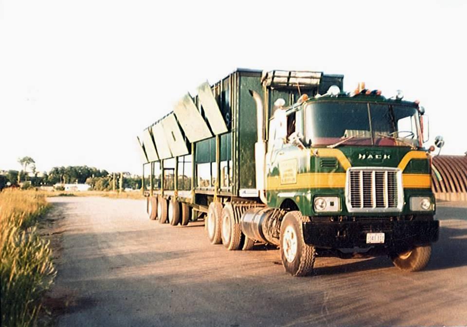 MACK-F-700-6X4