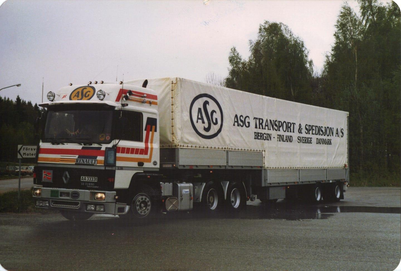 1987-renault-R390-die-tussen-bergen-en-finland-ging-voor-een-wandeling-in-de-week-Gunnar-Ovreveit-Bergen-