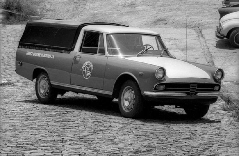 FNM--2150-met-Alfa-Romeo-onderstel-en-gril
