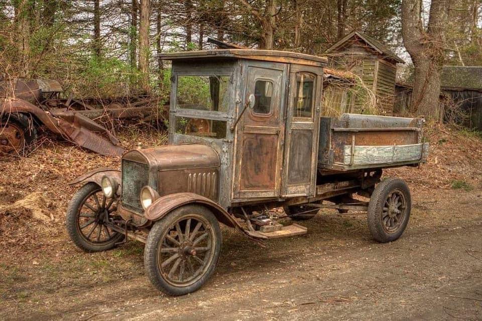 FORD--A-1918-Model-TT-
