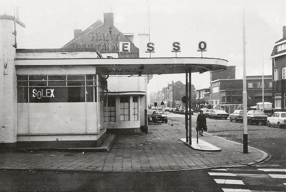 ESSO-tankstation--t-Pumpke-aan-de-Straelseweg--Venlo