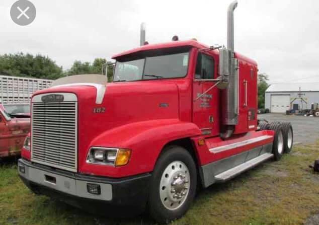 Freightliner-FLD120s--1