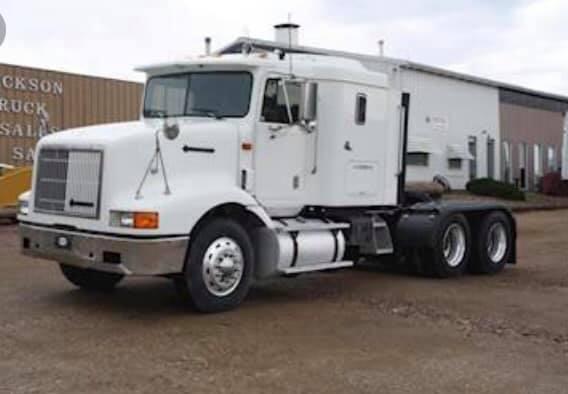 Freightliner-FLD120s--3