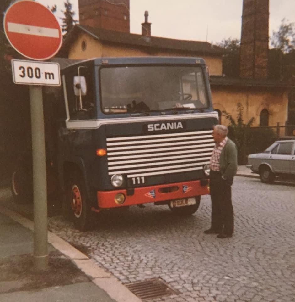 Tomas-Wouters-Gert-Herijgers-neen-Gert-das-niet-onze-pa-maar-de-vake-van-de-Stef-denk-ik--Echt-ne-ferme-foto-das-onze-eerste-111platsnuit-camion-remork-kipper-