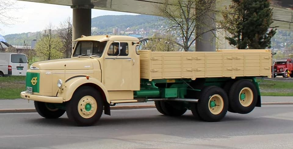 Volvo-495-6X2-Titan-1