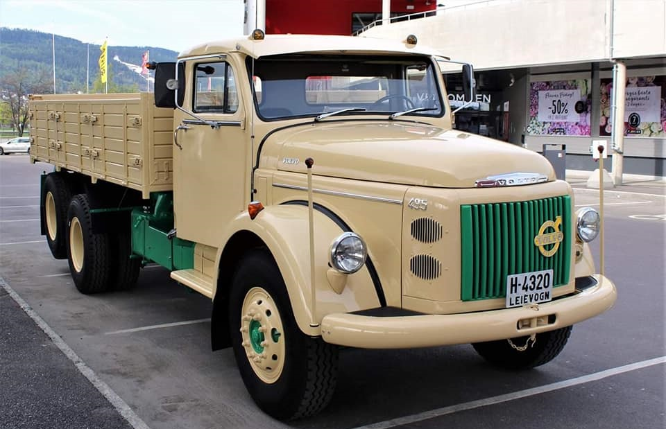 Volvo-495-6X2-Titan-2