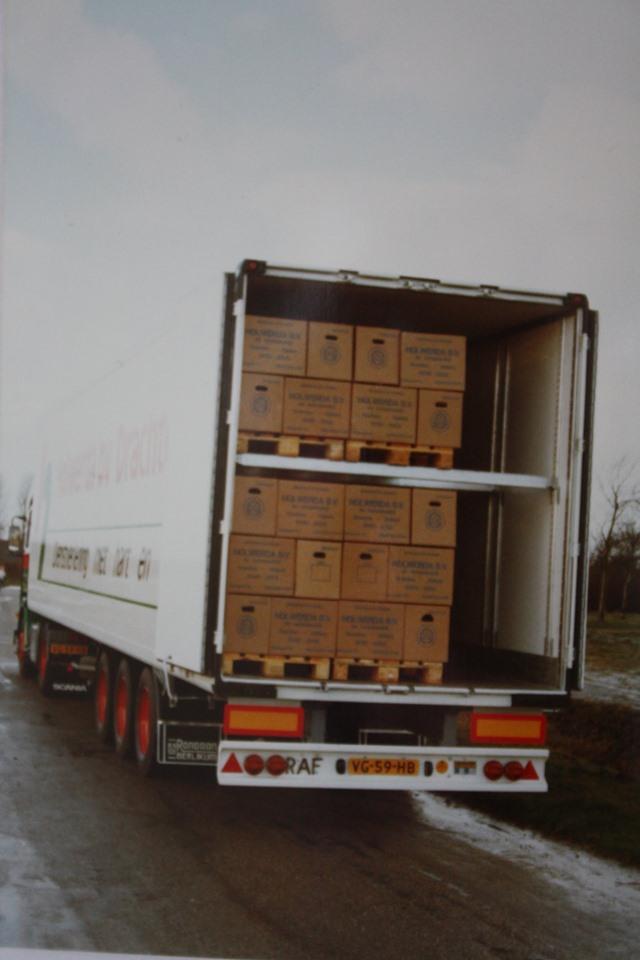 Rondaan-carr--RAF-Trailers-en-Trucks-en-RAF-aanhangwagens-die-door-Rondaan-in-Beetgum-gebouwd-zijn-ook-voor-Holwerda-in-Drachten-3