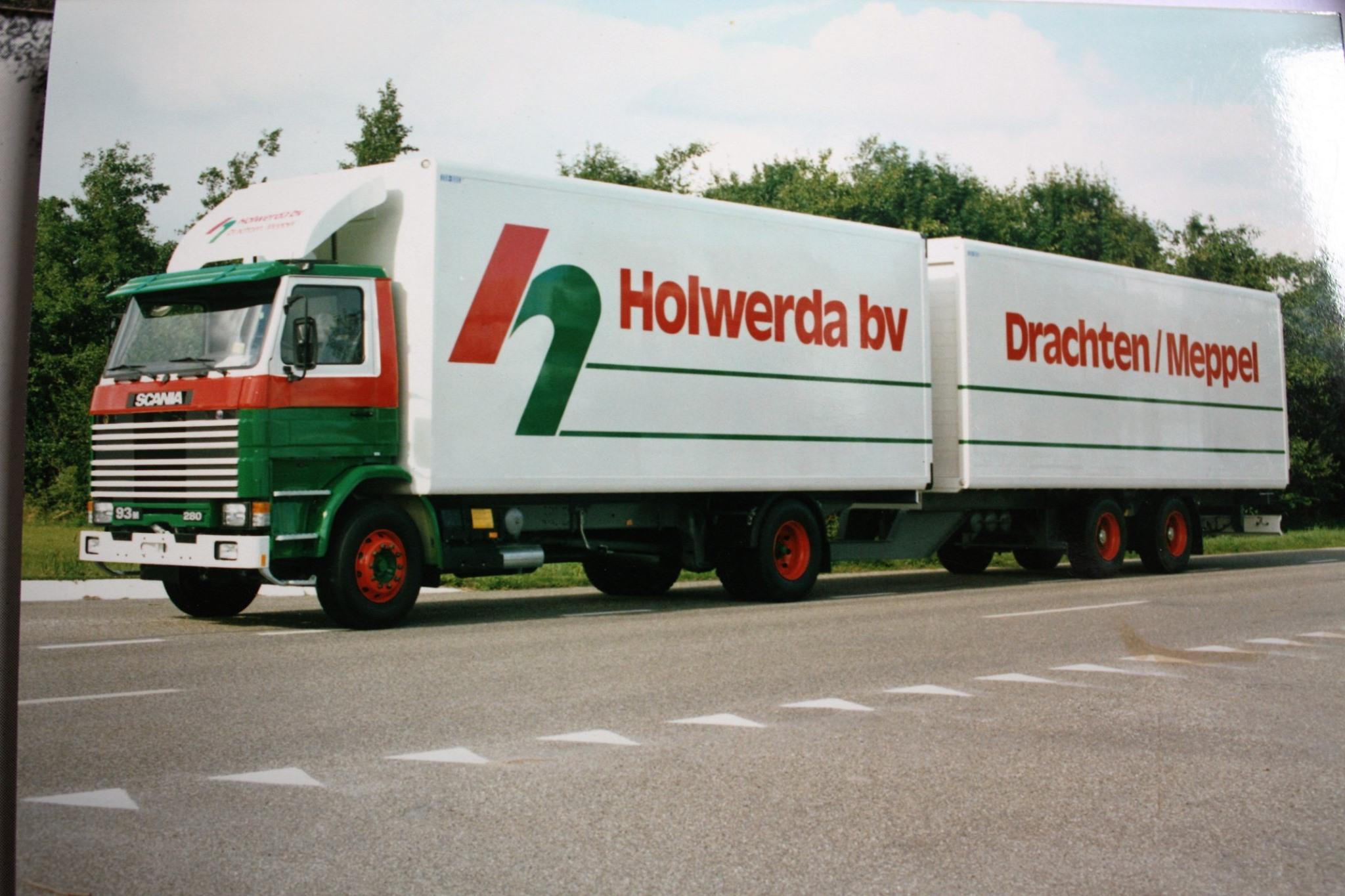 Rondaan-carr--RAF-Trailers-en-Trucks-en-RAF-aanhangwagens-die-door-Rondaan-in-Beetgum-gebouwd-zijn-ook-voor-Holwerda-in-Drachten-4