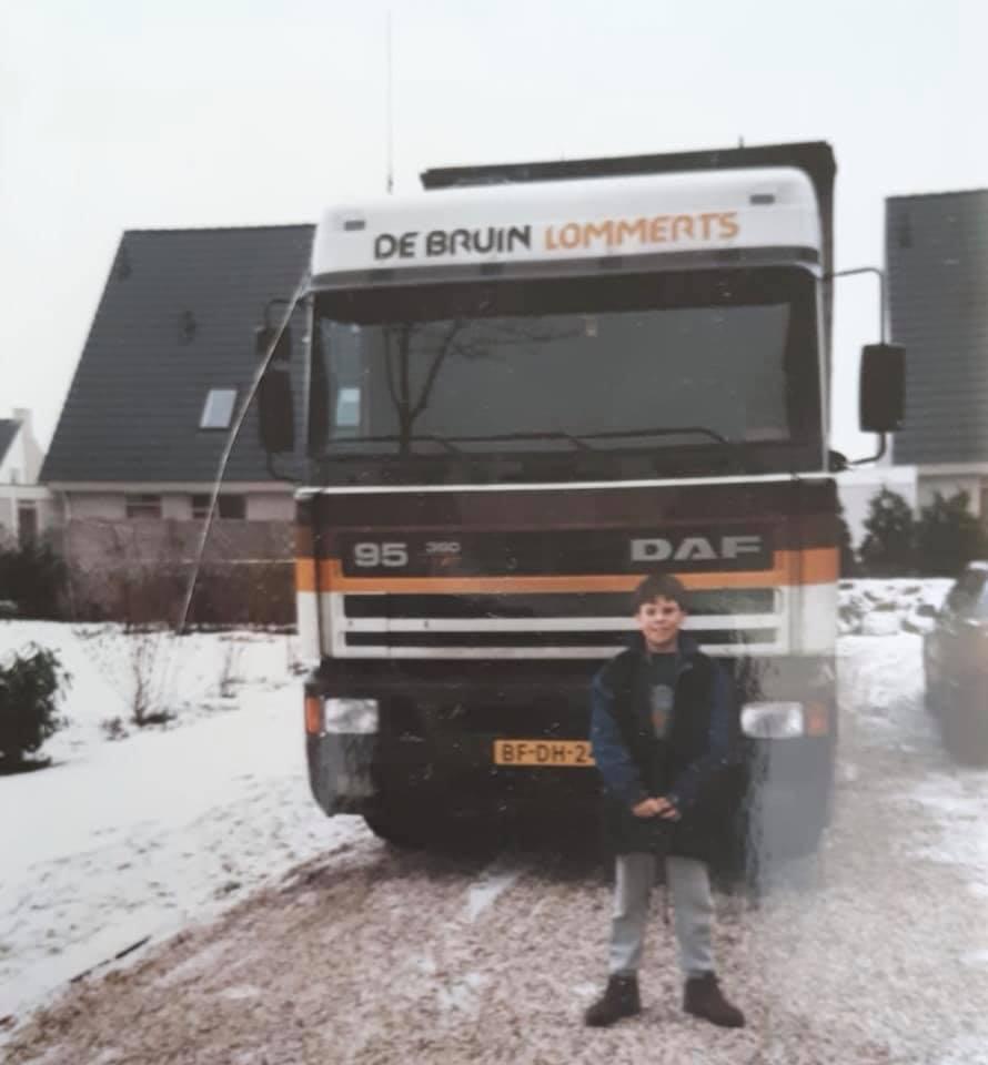 Mark-Riemsma-voor-de-daf-van-Piet-Vriezema