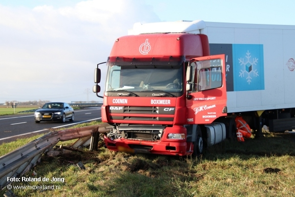 Vrachtwagen-DAF-CF-A58-bij-Rilland