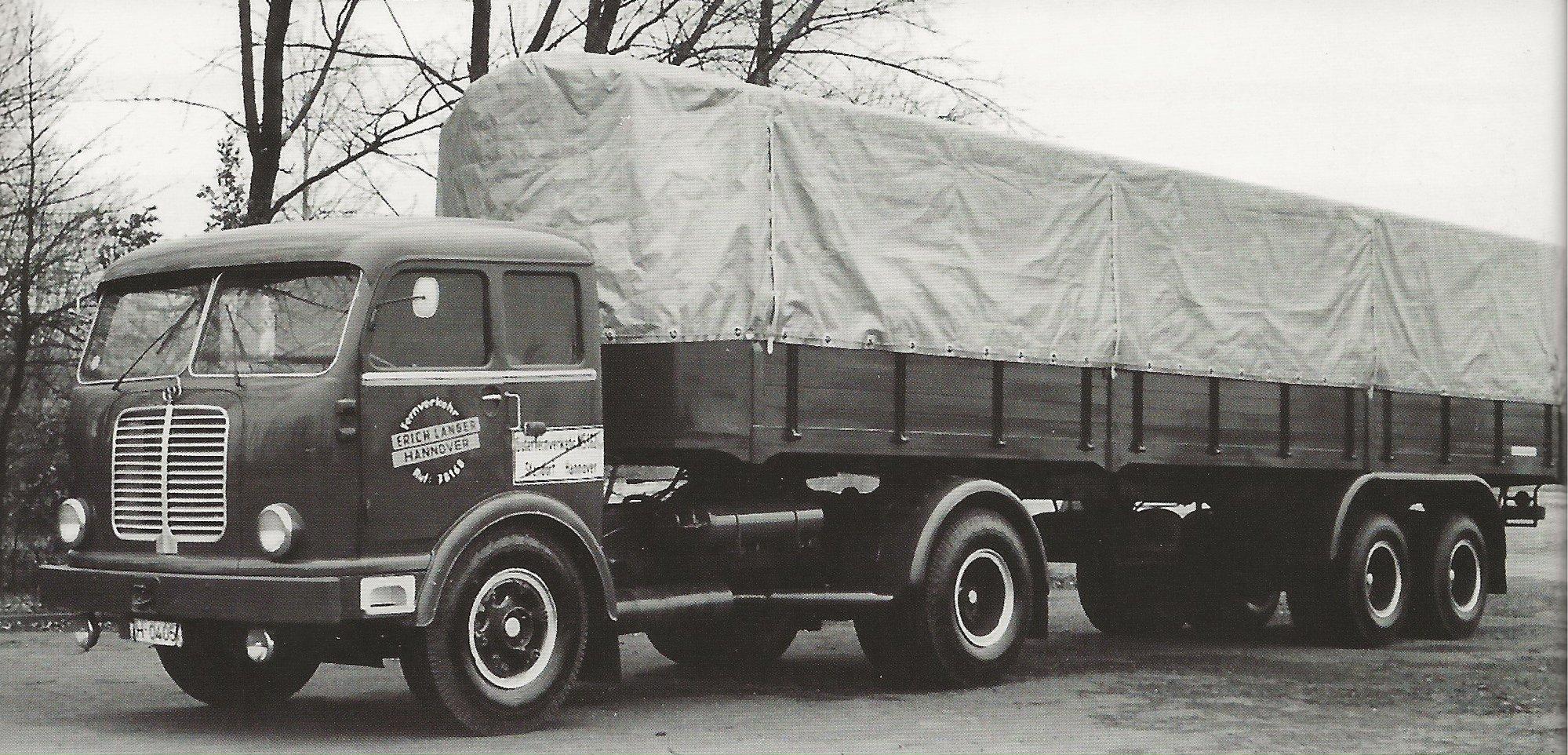 Krupp-Mustang-S-80-MF-4-met-Buschbaum-oplegger