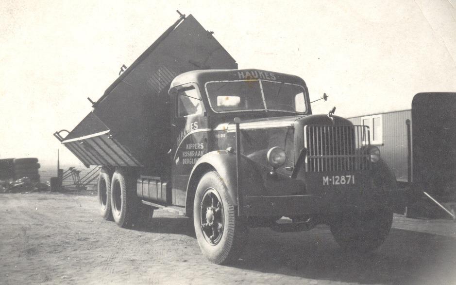 De-tweede-aangekochte-Mack-NR-kipper--Hans-Megens-archief