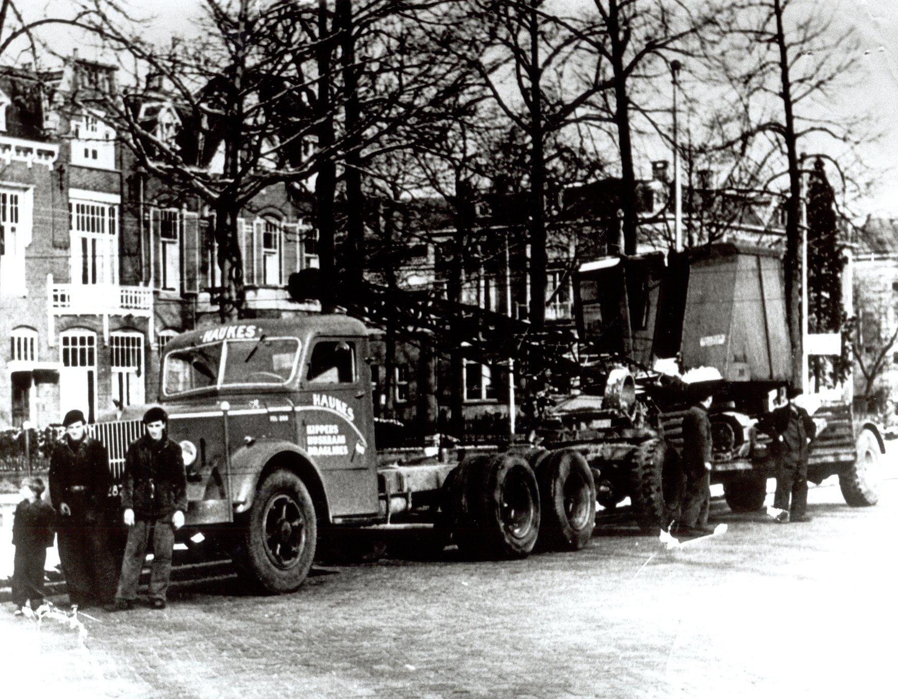 mack-nr-kipper-zonder-laadbak-op-de-oranjesingel-in-nijmegen-onderweg-naar-zeeland-1953-