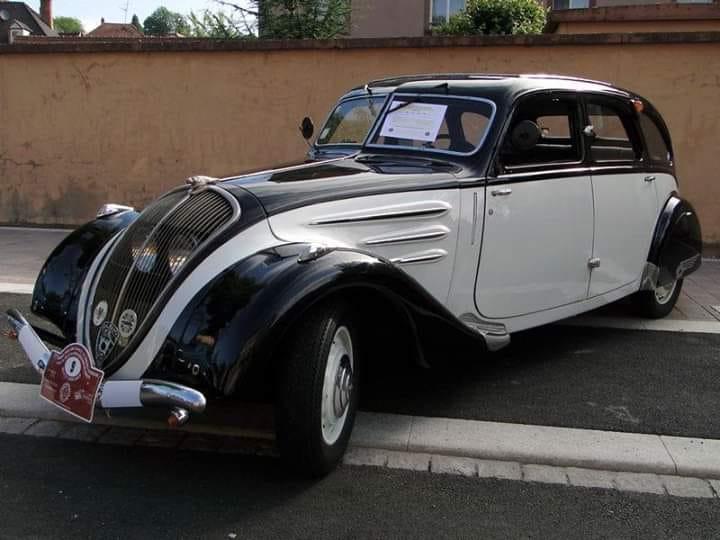 Peugeot-402-Limousine-1937