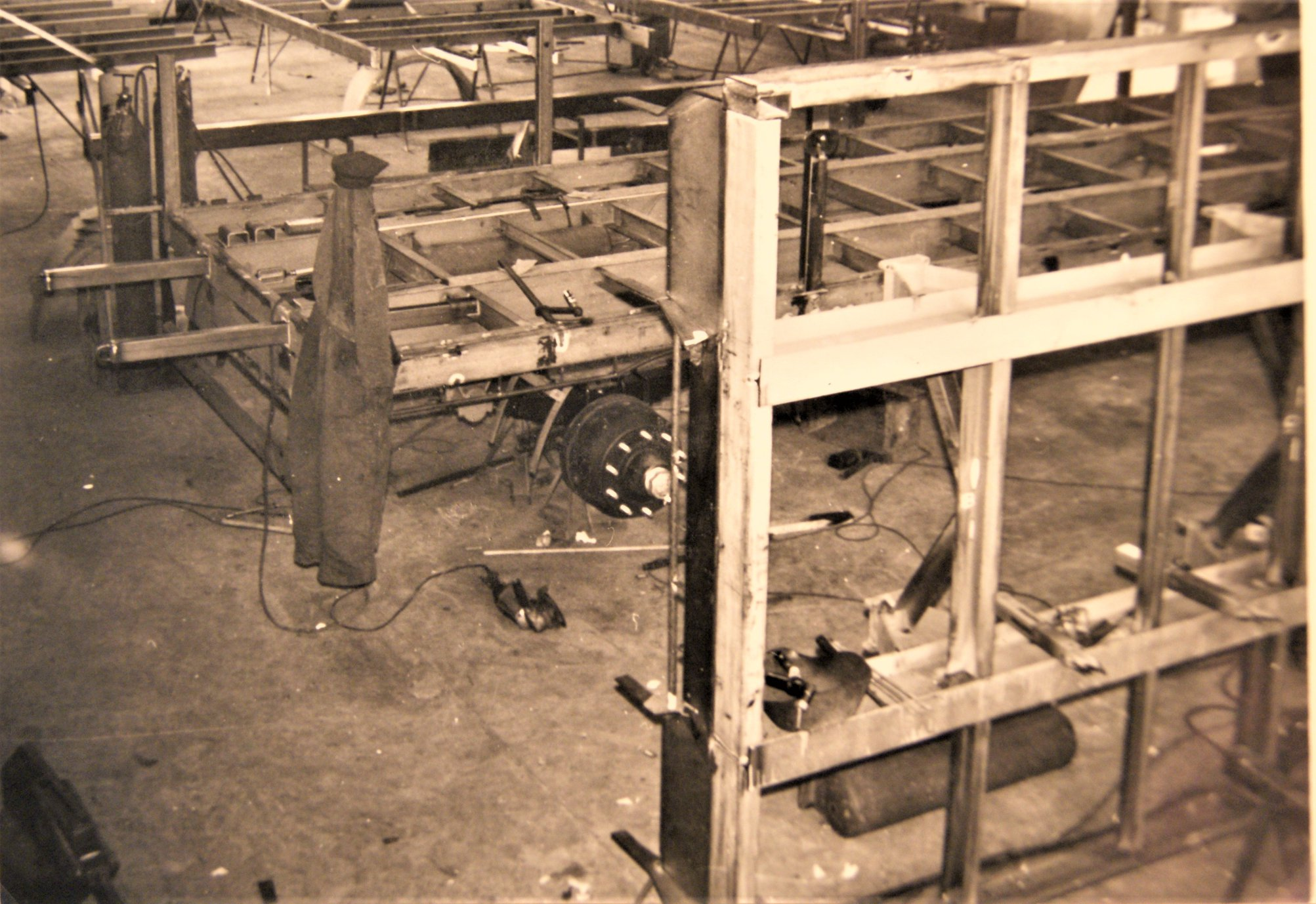 werkplaats-van-Rondaan-in-Beetgum-in-de-jaren-60-70-2