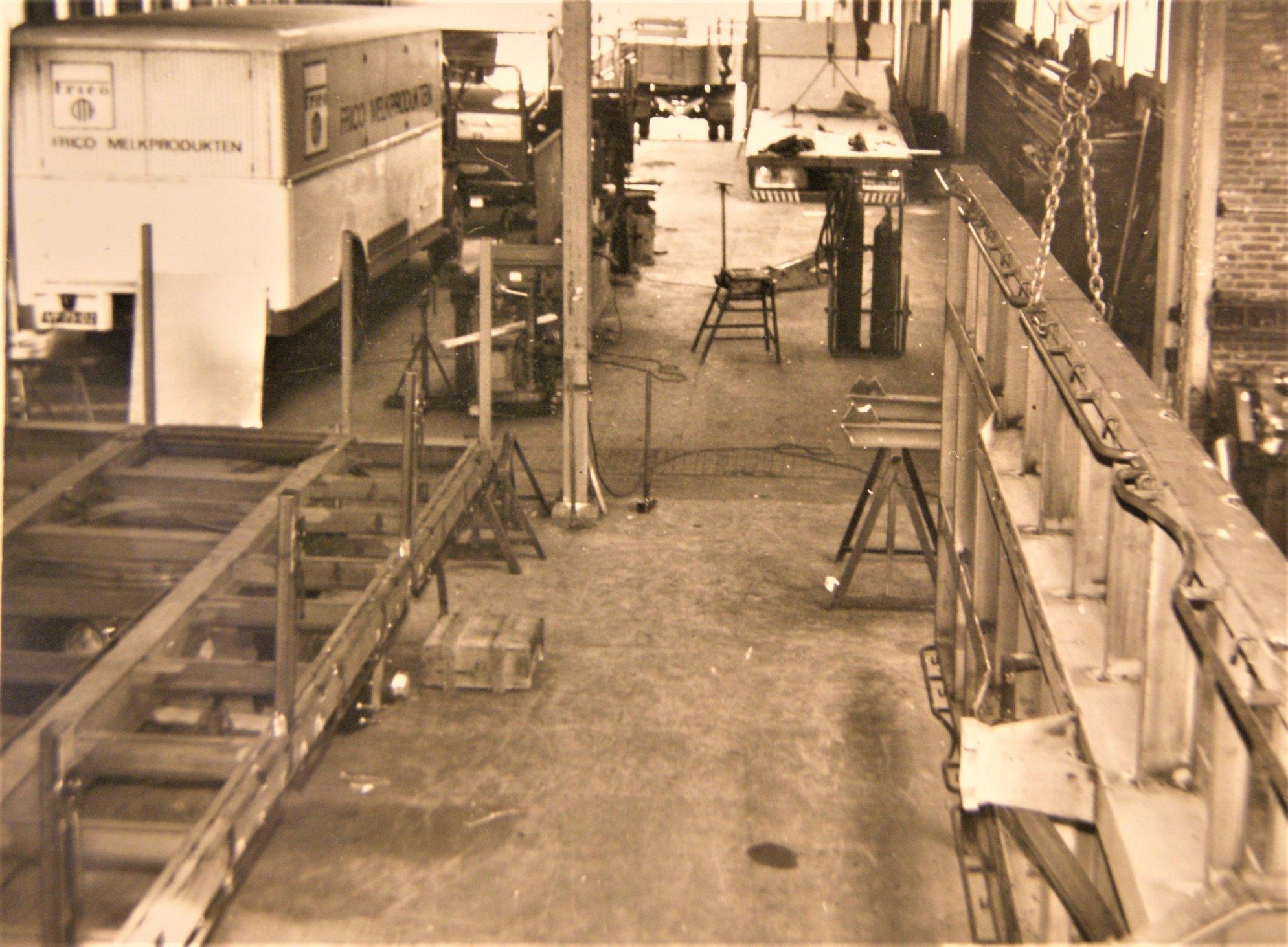 werkplaats-van-Rondaan-in-Beetgum-in-de-jaren-60-70-3