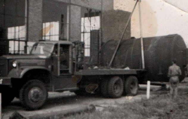 Diamond-T-wrecker-6X6-2