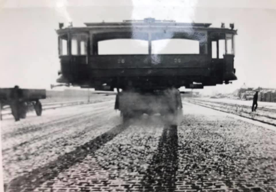 F-Joosten-transport-Weert---3-December-1947--vervoer-eerste-wagon-voor-het-trammuseum-te-Weert-1