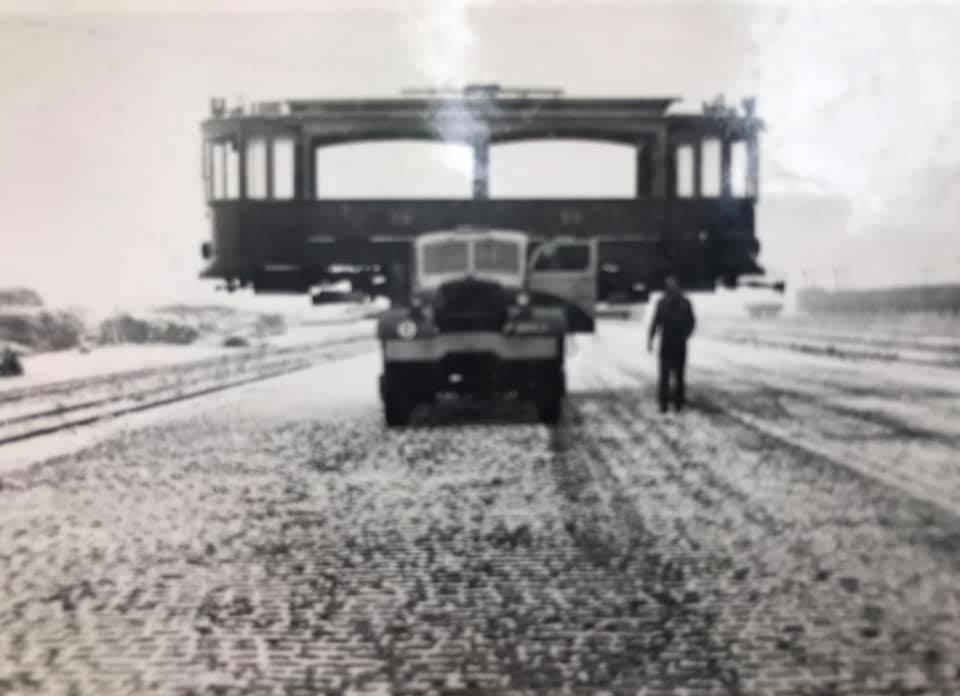 F-Joosten-transport-Weert---3-December-1947--vervoer-eerste-wagon-voor-het-trammuseum-te-Weert-2