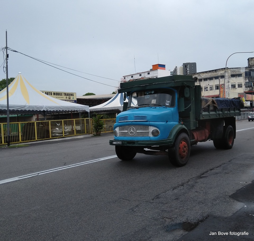 In-Maleisie-worden-dit-shoes-trucks-genoemd-de-neus-van-een-schoen--9-5-2019-.-1