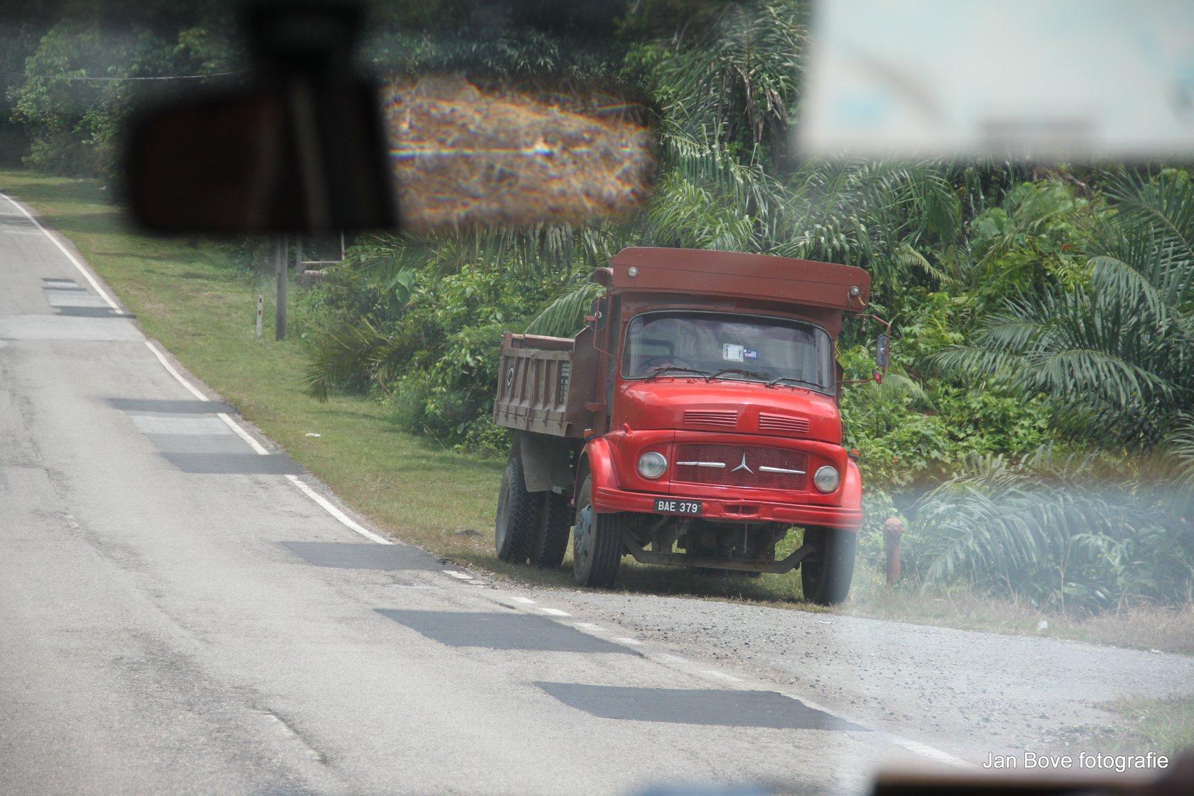 In-Maleisie-worden-dit-shoes-trucks-genoemd-de-neus-van-een-schoen--9-5-2019-.-5