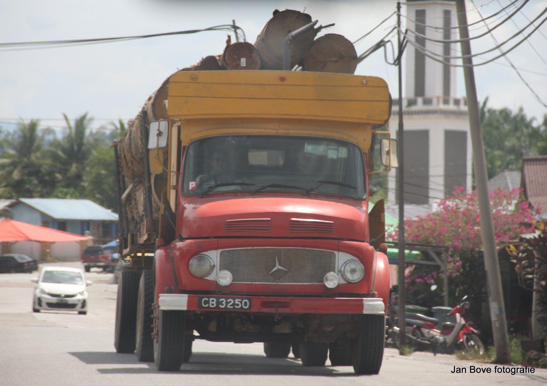 In-Maleisie-worden-dit-shoes-trucks-genoemd-de-neus-van-een-schoen--9-5-2019-.-6