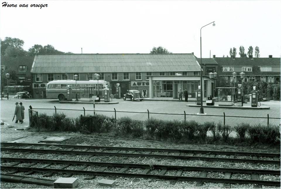 Hoorn--Benzinestation-aan-het-Keern--1962-2