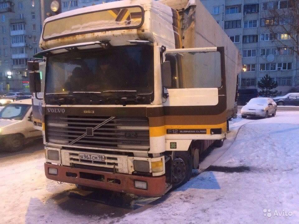Volvo-ET-uit-1992--Gesignaleerd-in-Sint-Petersburg