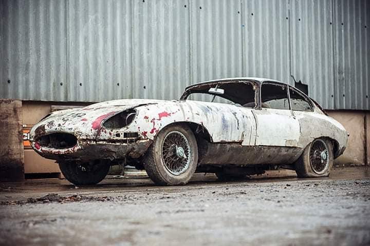 Jaguar-E-Type-3-8-early-Series-1-Fixedhead-Coupe--1962--1