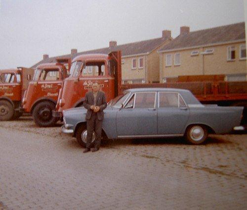 1952--oprichter-S.-de-Jong--Bleiswijk-opa-