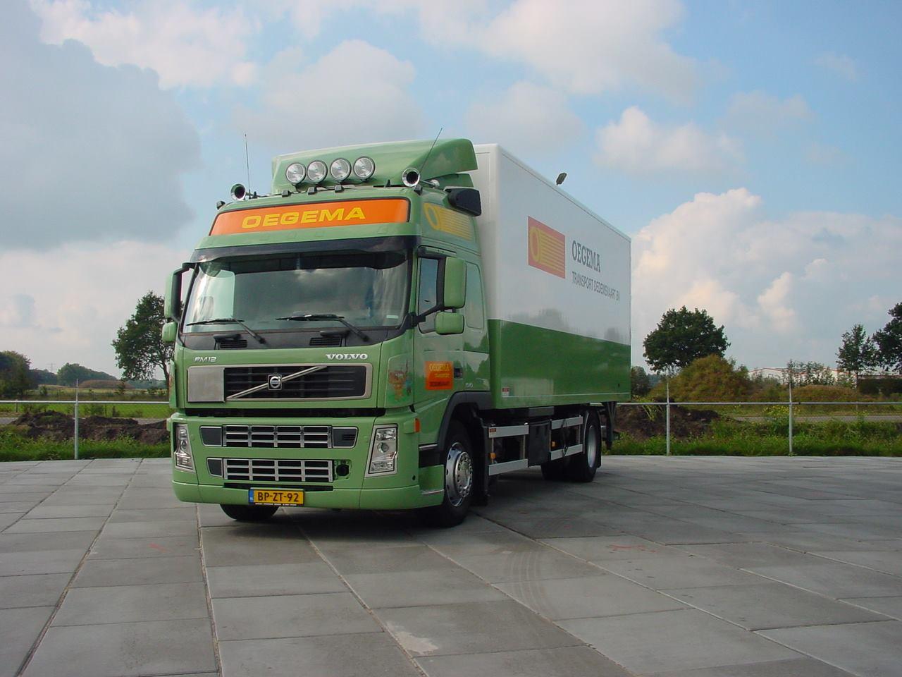 Mark-Koster-zijn-oude-wagen-met-ruim-1.-5-miljoen-km