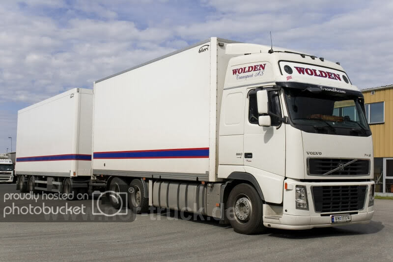 Volvo-FH12--