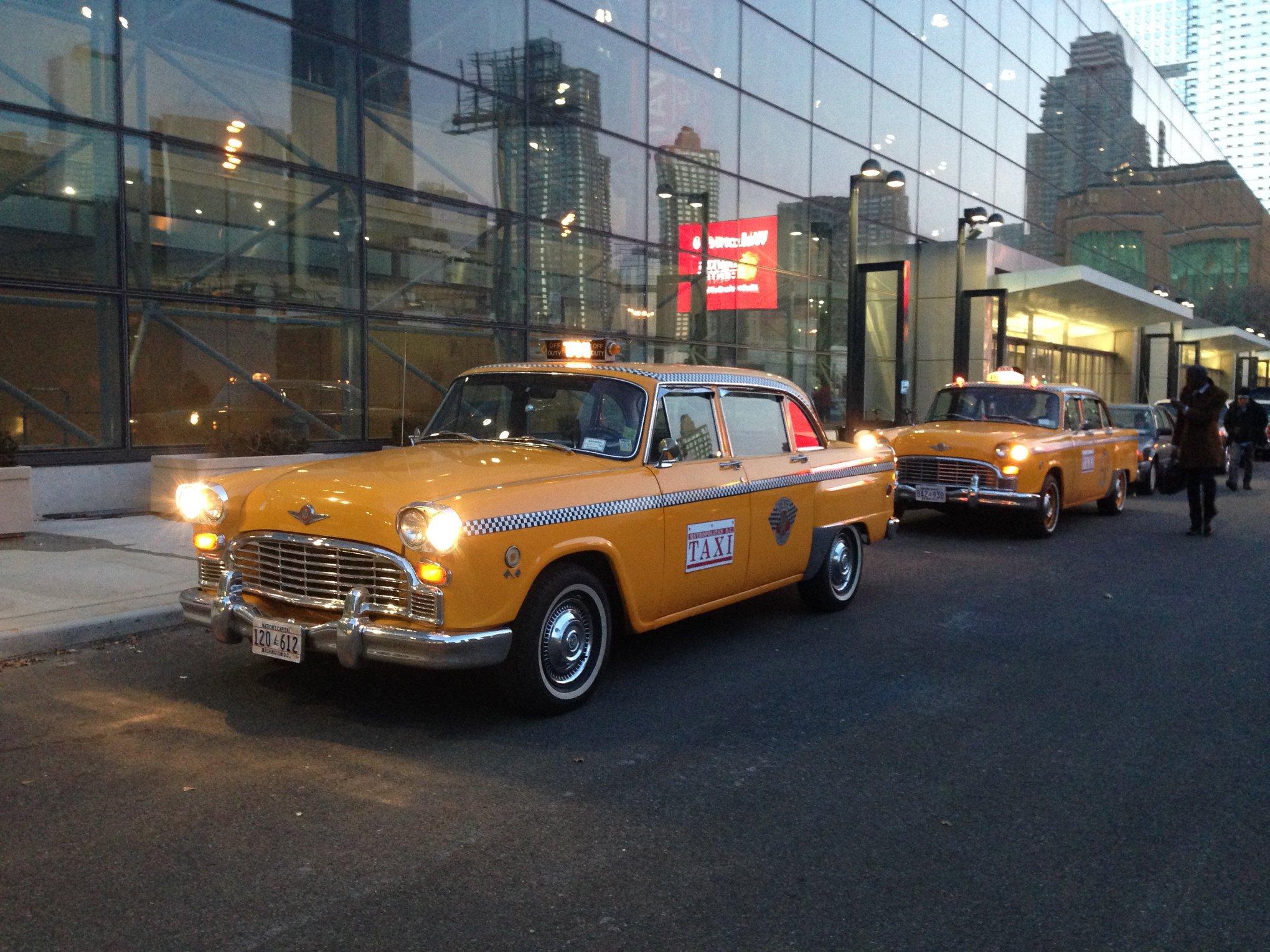 Checker-Taxi-4