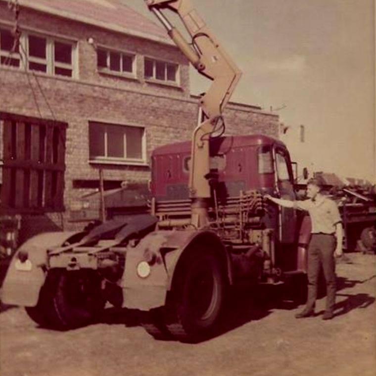 Ronny-met-zijn-eerste-Henschel-H140-archief-Roland-Billiauw