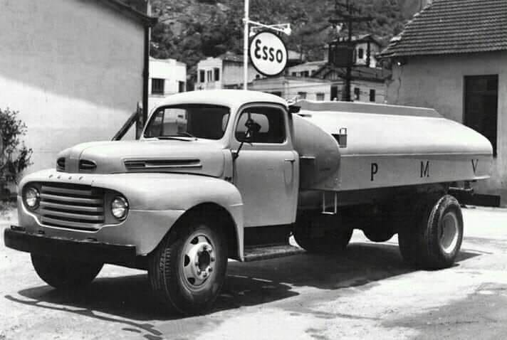 Ford-F-6-1948--
