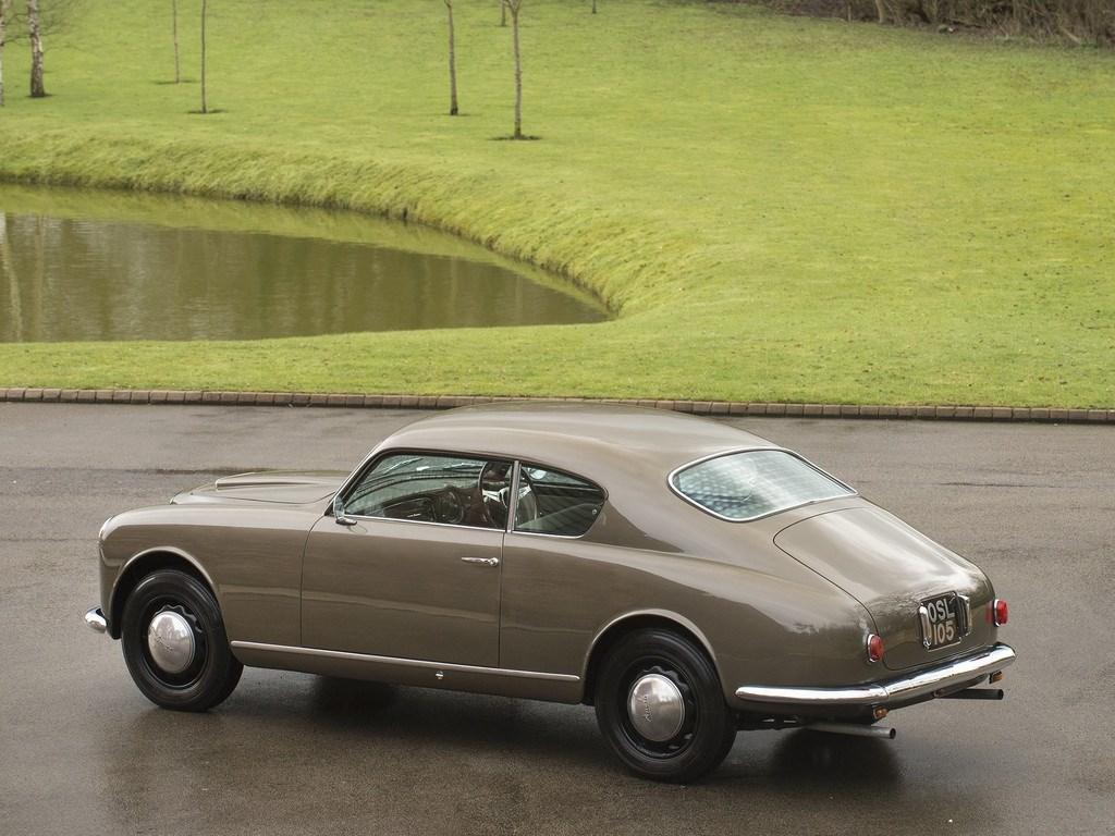 LANCIA-AURELIA-B-20-GT---1955-2