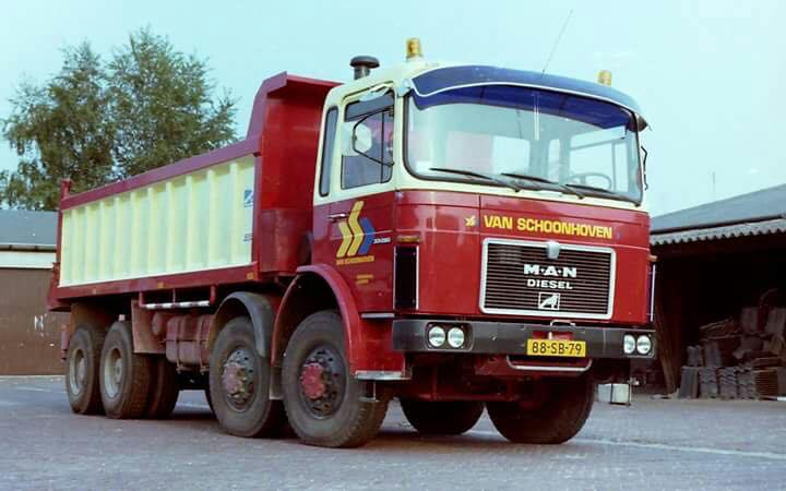 MAN-8x8-chauffeur-Frans-van-Engelenhoven--Frans-Bos
