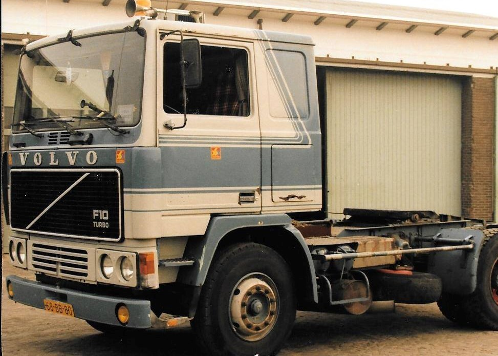 Volvo--68-BB-80-ex-Salari