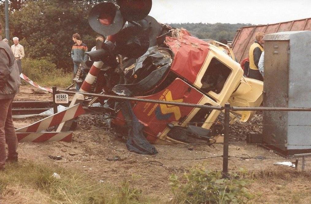 Z-1-1985-Treinongeluk-Noordelijke-Meentsteeg