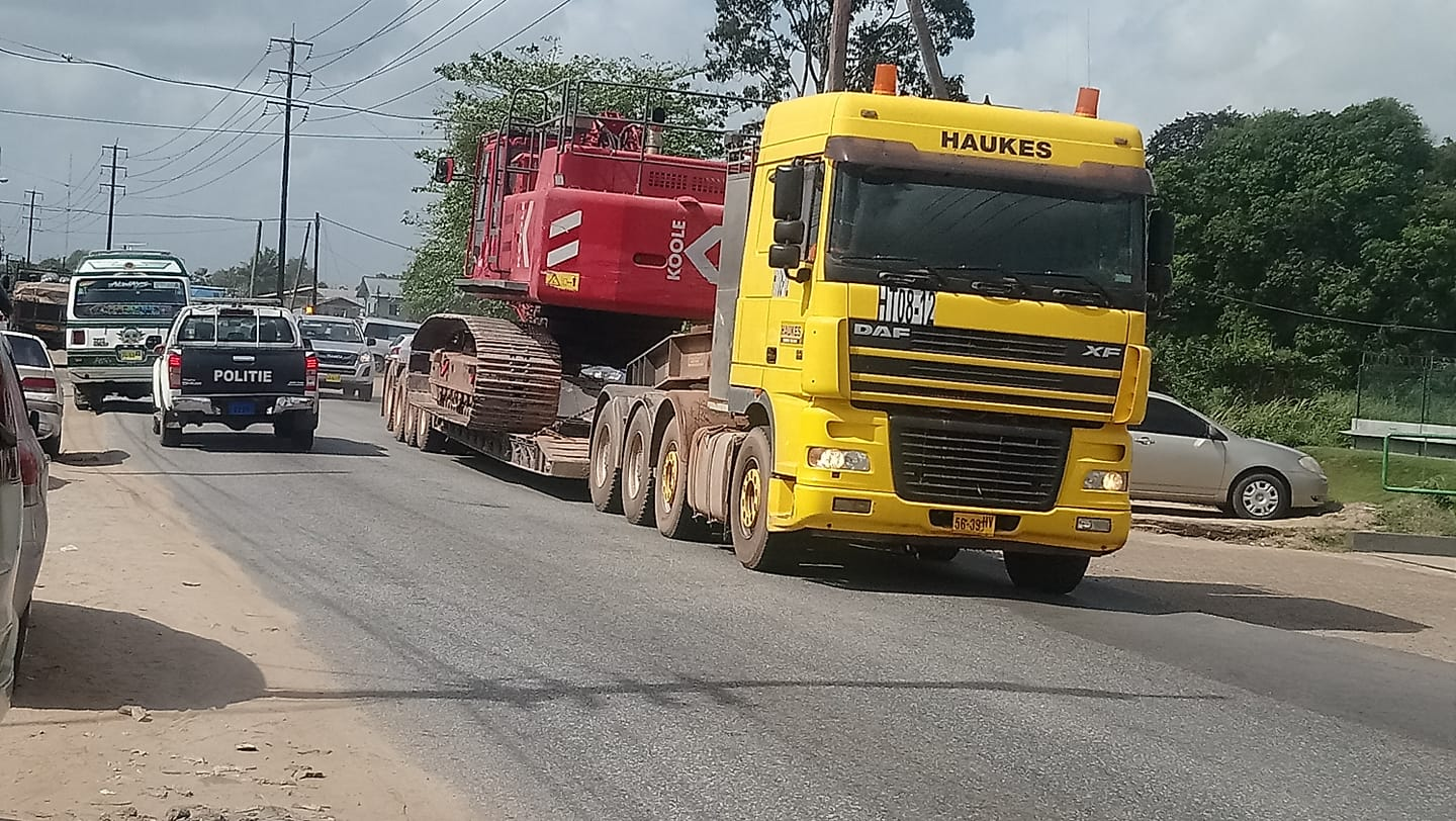 DAF-XF-8X4-in-suriname-