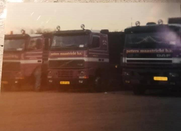 Patrick-Milius-Links-John-Lenaerts--midden-Herman-Bessems-rechts-ik-met-de-Daf