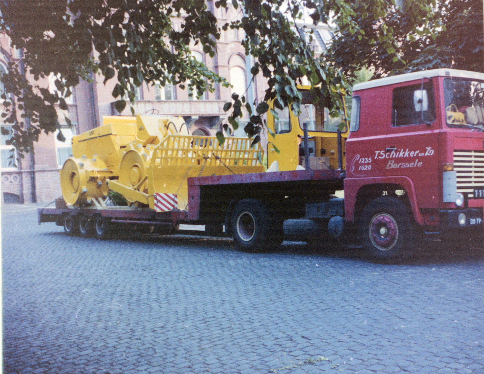 Scania-111---schikker--1