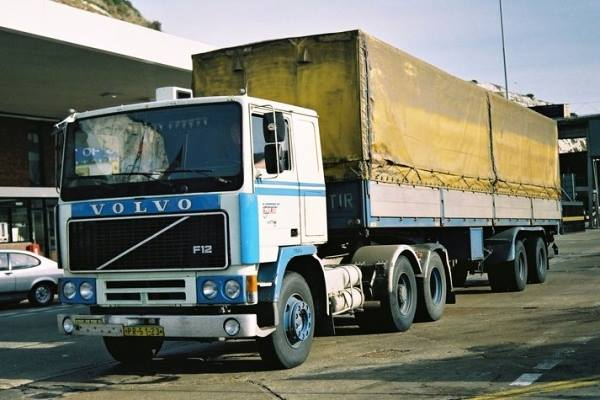 Volvo-F-12--in-Dover