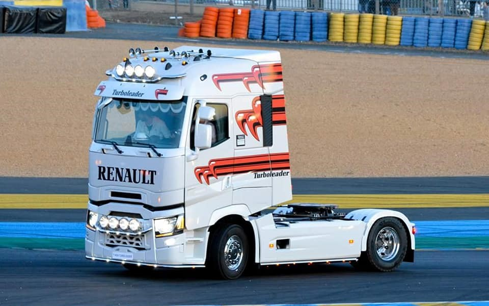 Renault-camion-15