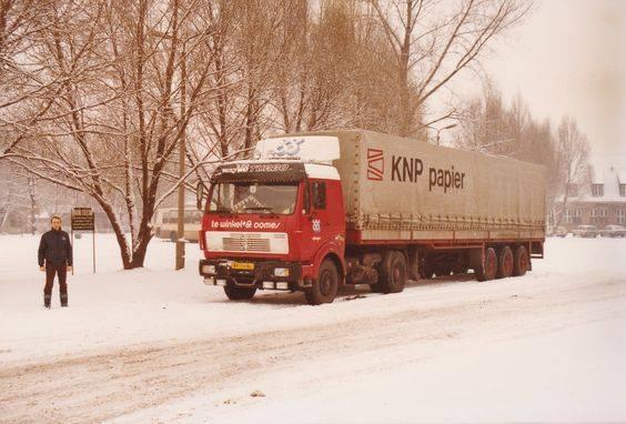 1980-Auswitsch-parkeerplaats-concentratiekamp-Nol-Phoelich