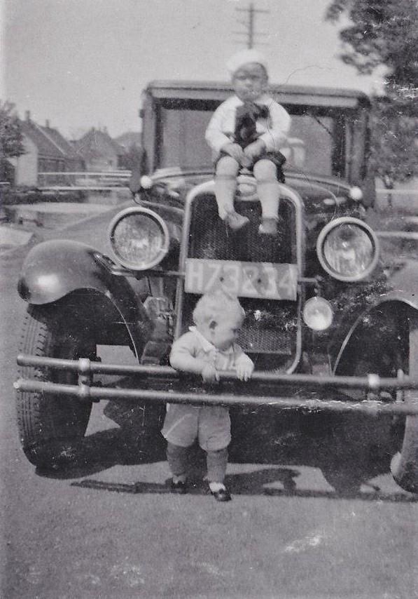 0--Mijn-vaders-eerste-luxe-wagen--Broers-Kees-en-Gerard-Chevrolet-1931--