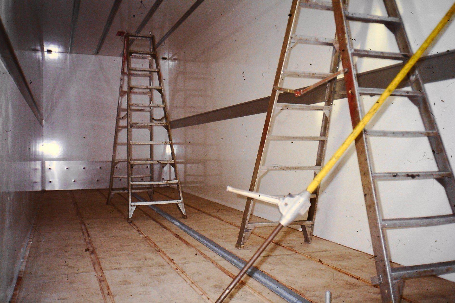 Peter-Nieuwkoop-met-zijn-nieuwe-scania-27-1-2003-12