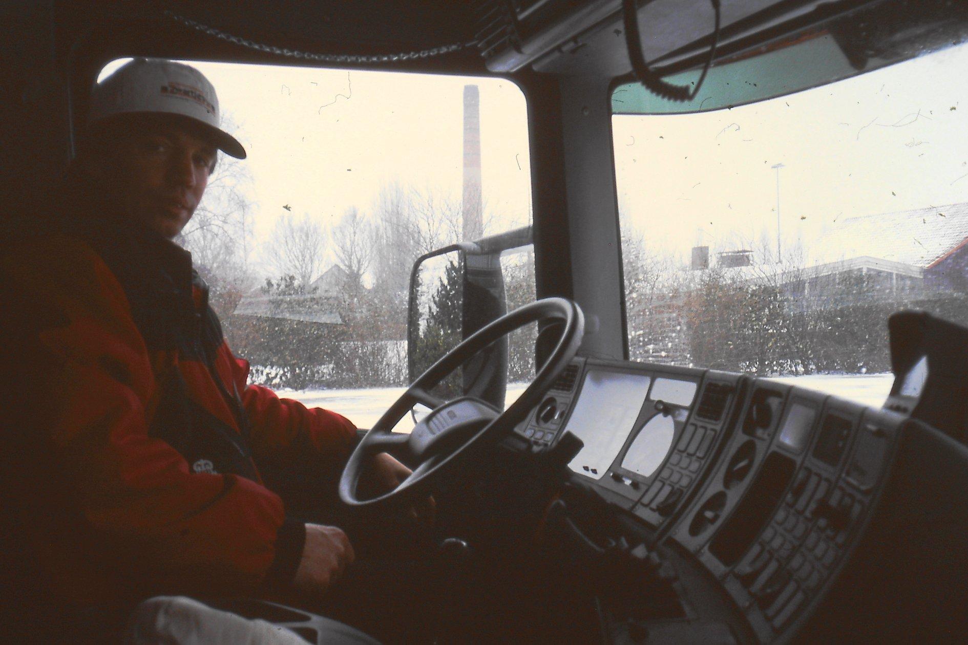 Peter-Nieuwkoop-met-zijn-nieuwe-scania-27-1-2003-8