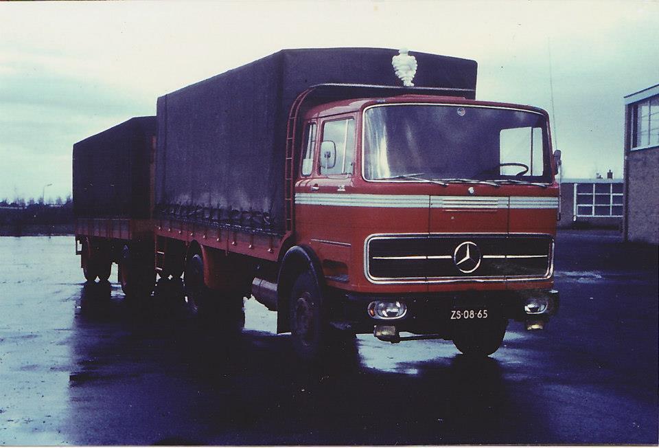Mercedes-met-pop-erop