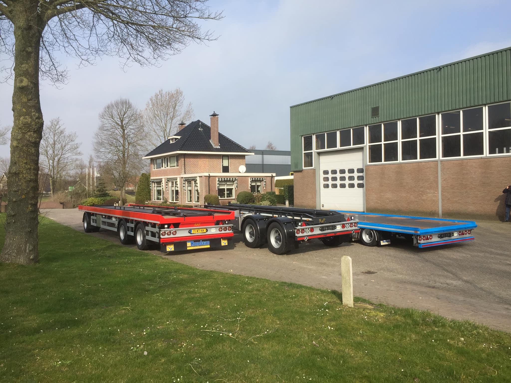 Afgelopen-week-stonden-er-maar-liefst-3-stuks-nieuwe-door-Rondaan-geproduceerde-RAF--Aanhangwagens-klaar-voor-aflevering--13-3-2019-